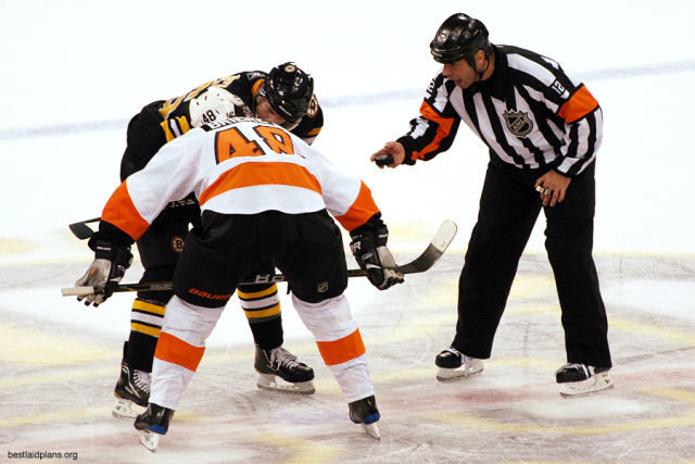 Tonight's NHL Referees & Linesmen – 1/6/16