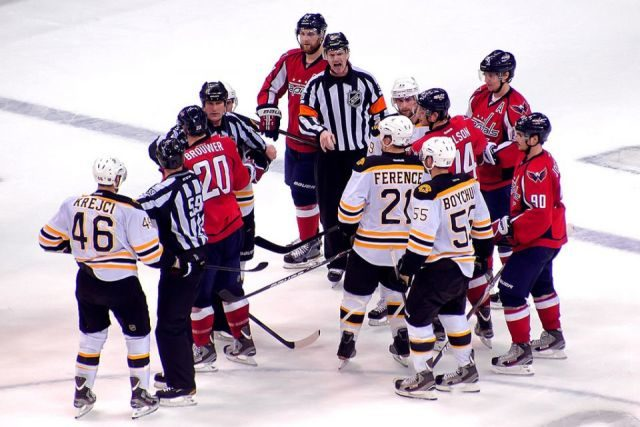 Tonight's NHL Referees & Linesmen – 11/29/14
