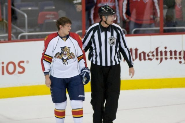 Tonight's NHL Referees – 4/4/14