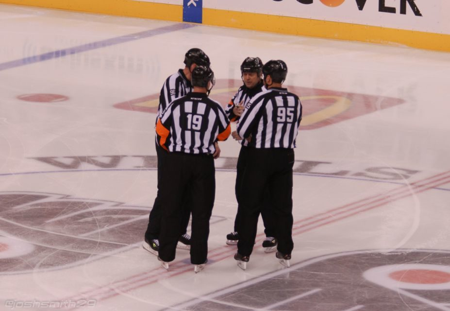 Tonight's NHL Referees & Linesmen – 10/7/15