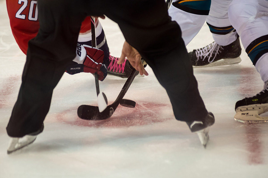 Tonight's NHL Referees & Linesmen – 1/27/15