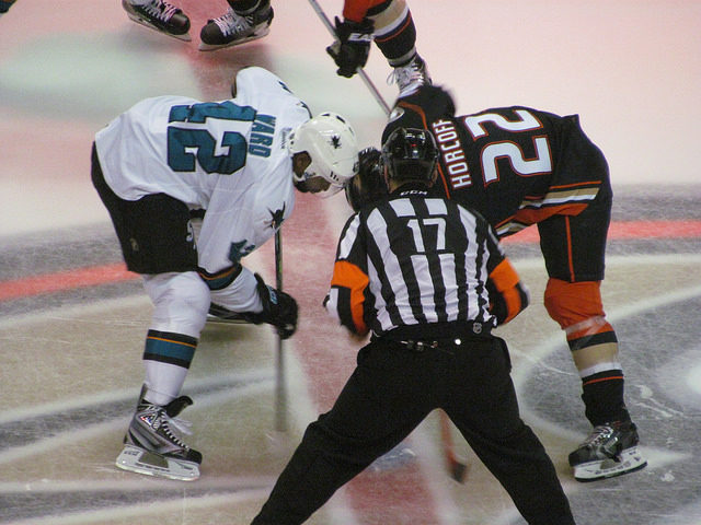 Tonight's NHL Referees & Linesmen – 12/18/15