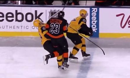 Flyers' Manning Delivers Questionable Hit on Pens' Guentzel