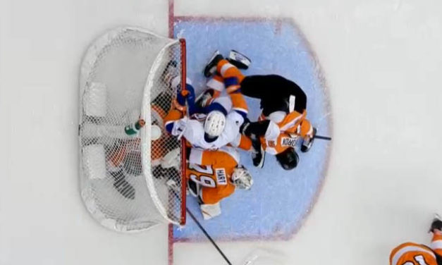 Isles' Goal Stands After Flyers Challenge for Goaltender Interference
