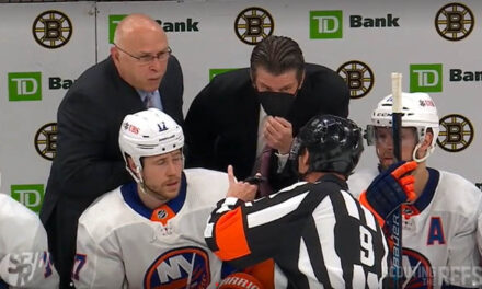 Bruins, Isles Extend 4-on-4 with Players Stuck in Penalty Boxes